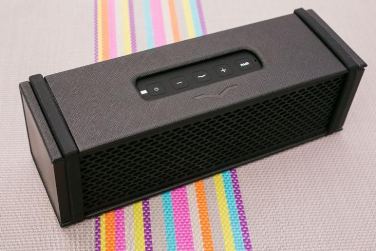 Bluetooth-колонка V-MODA REMIX получила встроенный усилитель для наушников»